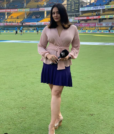 IPL Anchors Female