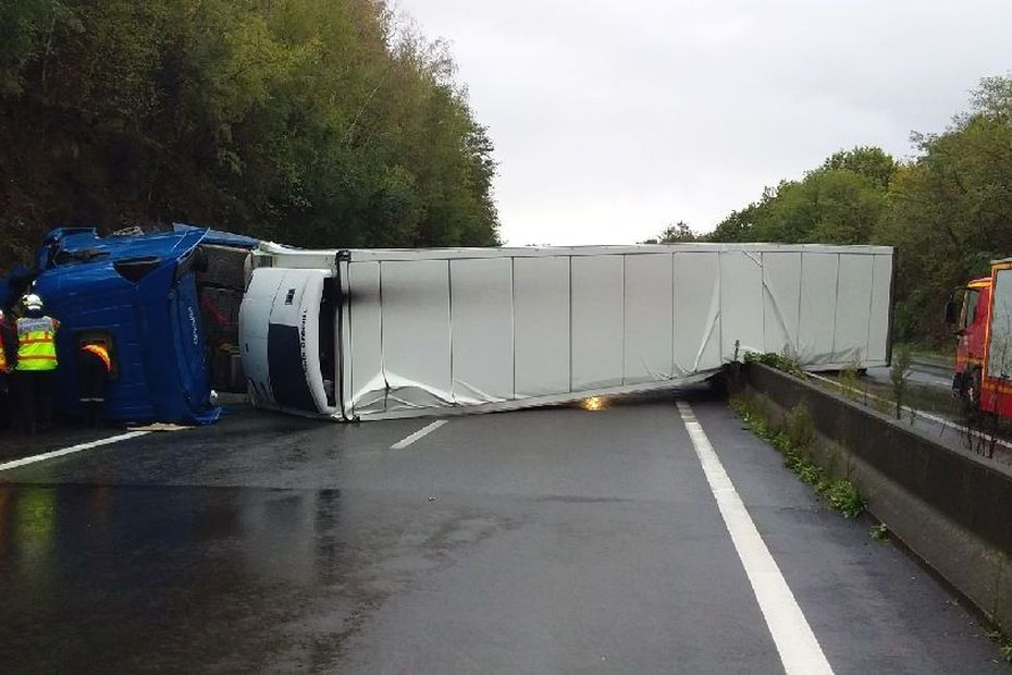 Truck Overturned Near Feytiat